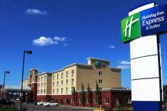 Holiday-Inn-Hotel-01
