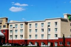 Holiday-Inn-Hotel-02