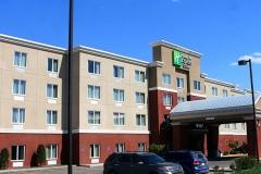 Holiday-Inn-Hotel-05
